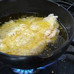 冷めてる油からチキンカツを揚げたらサックリ!