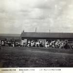 昭和20年の写真に思う北海道の冬支度は窓にビニール