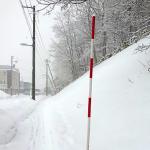 雪道の案内人スノーポールは動かない働き者