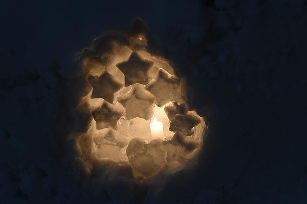 雪あかり 星形の雪のオブジェクト