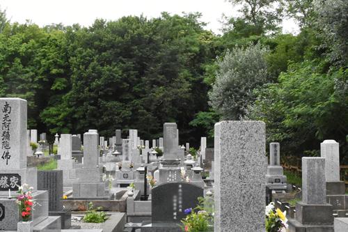 お墓は先祖代々の墓石から合同墓の時代へ