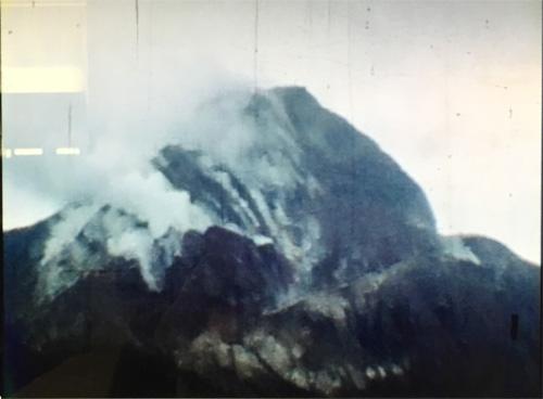 昭和の昭和新山は煙りがモクモク修学旅行の8ミリフィルム