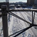 汽車きたよと言ってしまうJR手稲駅が見える歩道橋