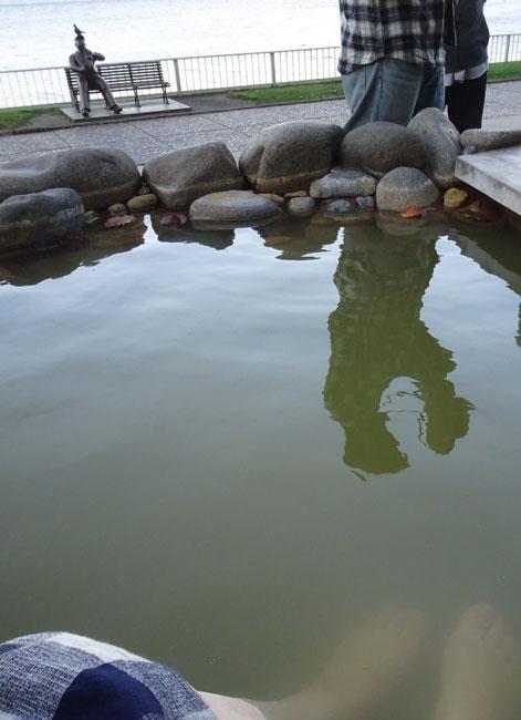 湖畔亭の足湯