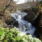 三階滝でマイナスイオン浴  洞爺湖へのドライブ寄り道スポット