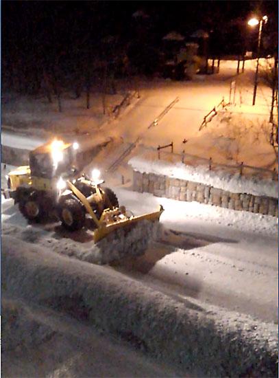 除雪のブルトーザー