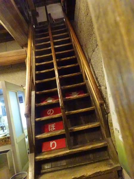 松山城の階段