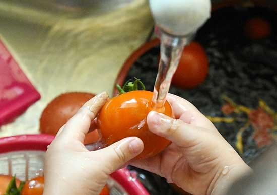 トマト洗い